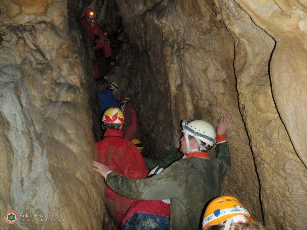 Létrási vizes barlang